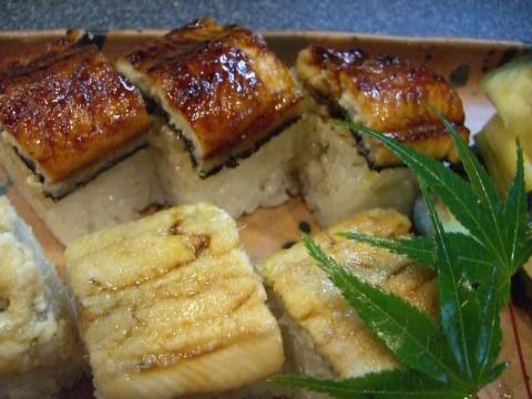 うなぎの棒寿司と穴子の棒寿司