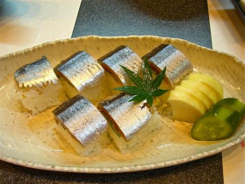 秋刀魚棒寿司
