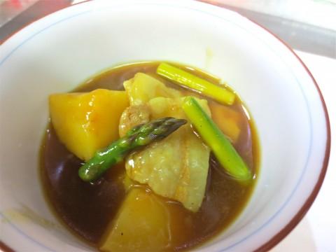 豚バラ 芋 アスパラカレー煮