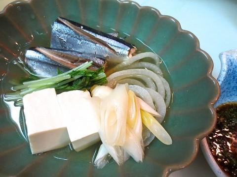 秋刀魚と豆腐と野菜の酒蒸し