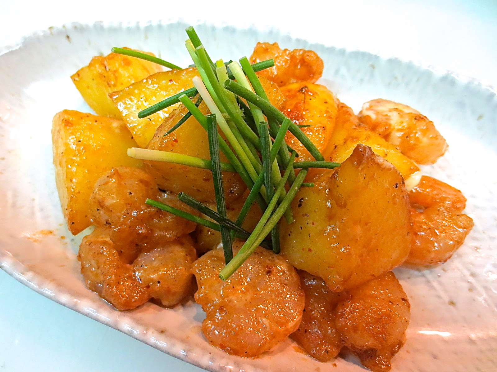 男爵芋と海老の醤油マヨネーズ炒め