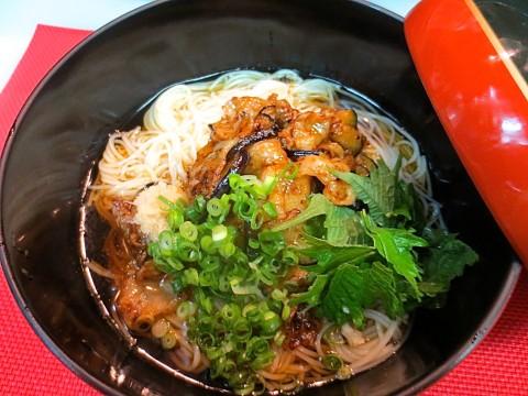 冷やし素麺(アグー豚と茄子の味噌のせ)