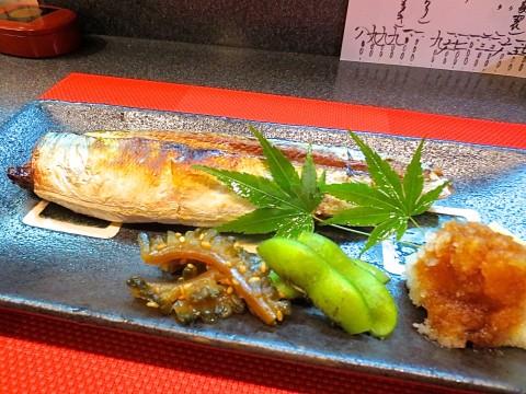 秋刀魚塩焼