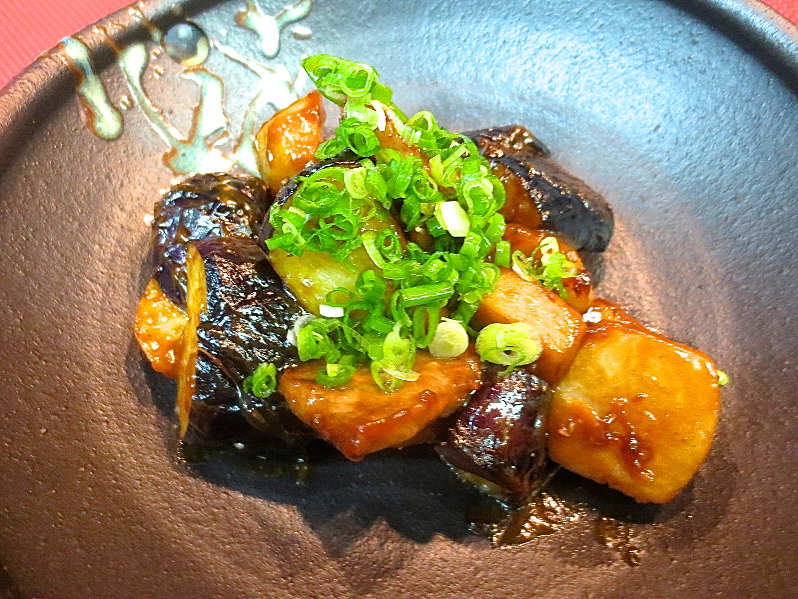 牛ロースと茄子と小芋味噌炒め