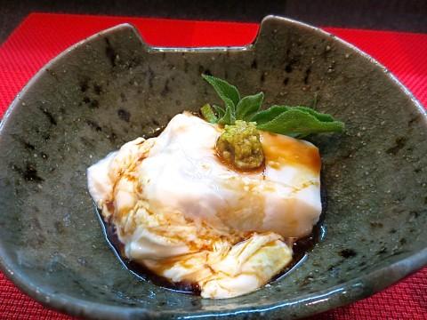 胡麻豆腐と生湯葉山葵醤油