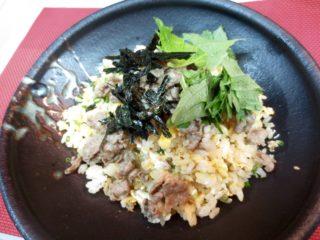 玉子チャーハン(牛しぐれのせ)