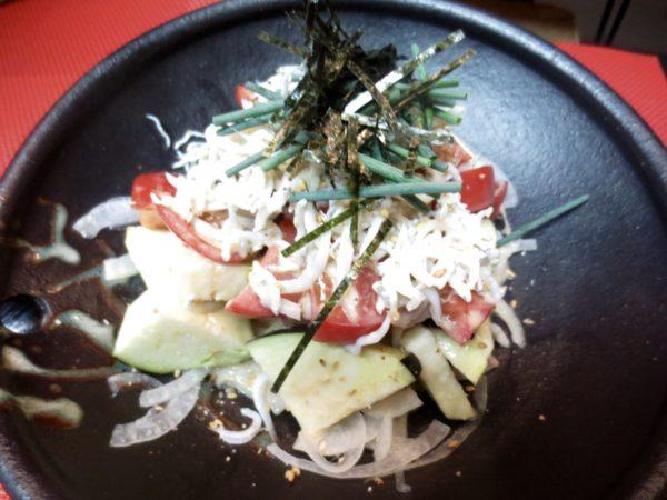 水茄子、トマト、しらすサラダ