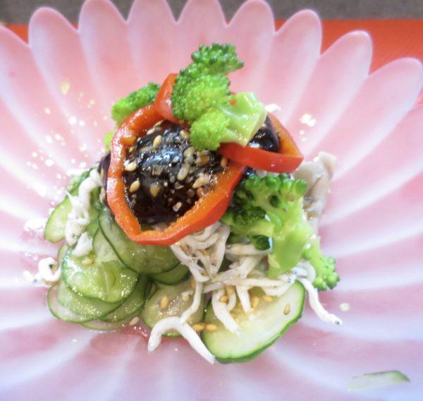 胡瓜、ブロッコリー、しらす和え物