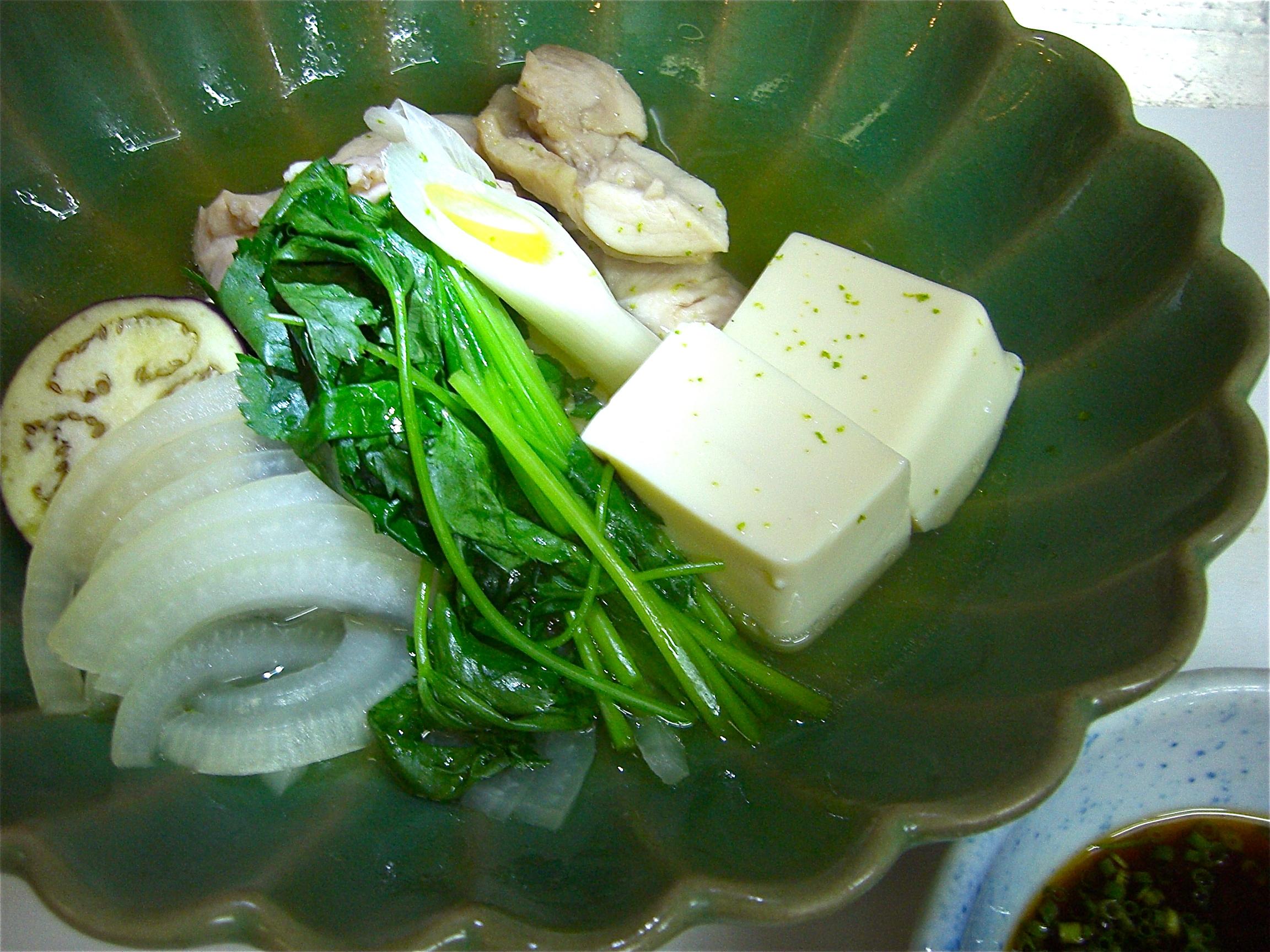 地鶏と豆腐と野菜の酒蒸し(地鶏料理1)