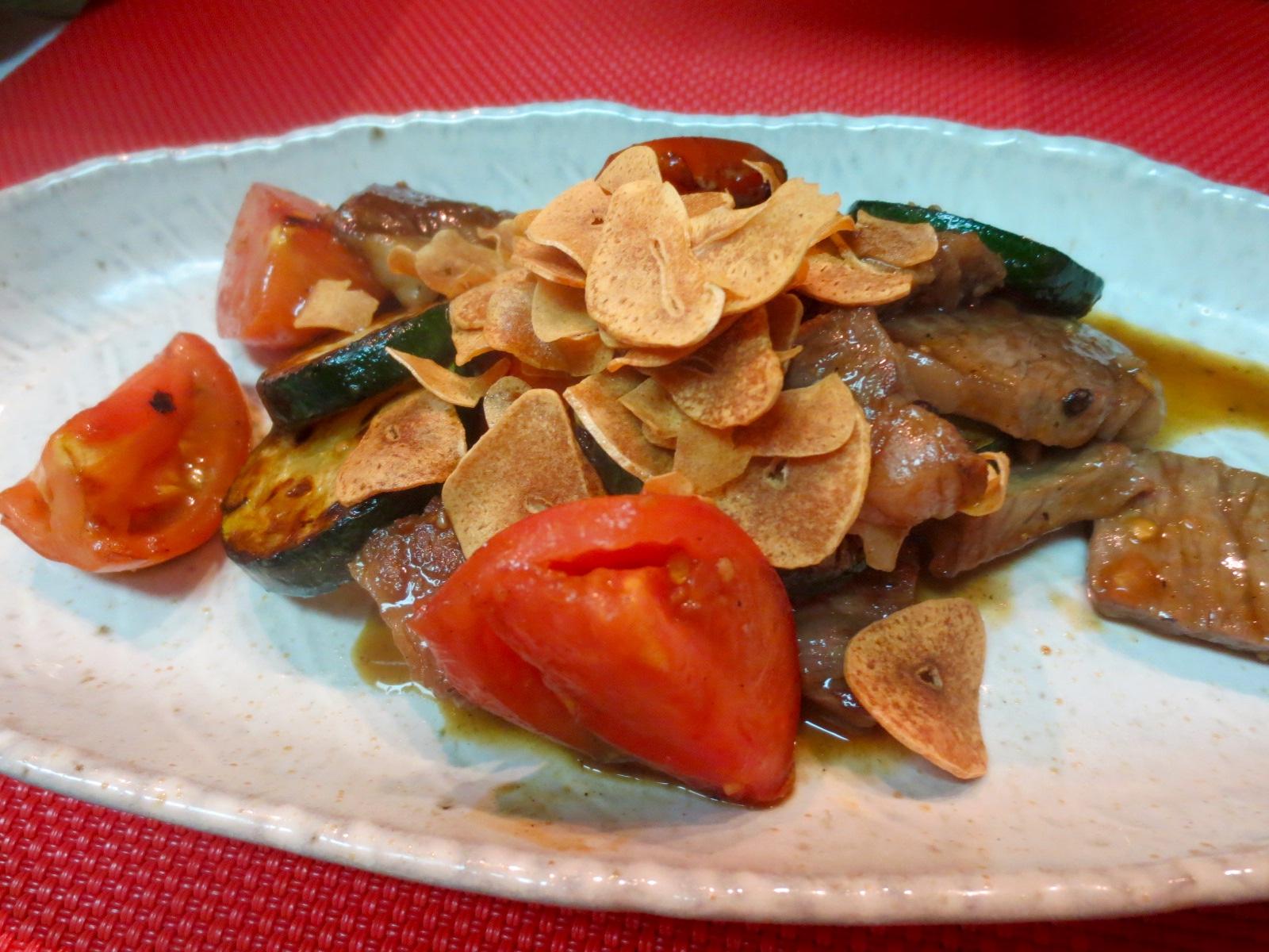 牛ロース ズッキーニ トマトガーリック焼き