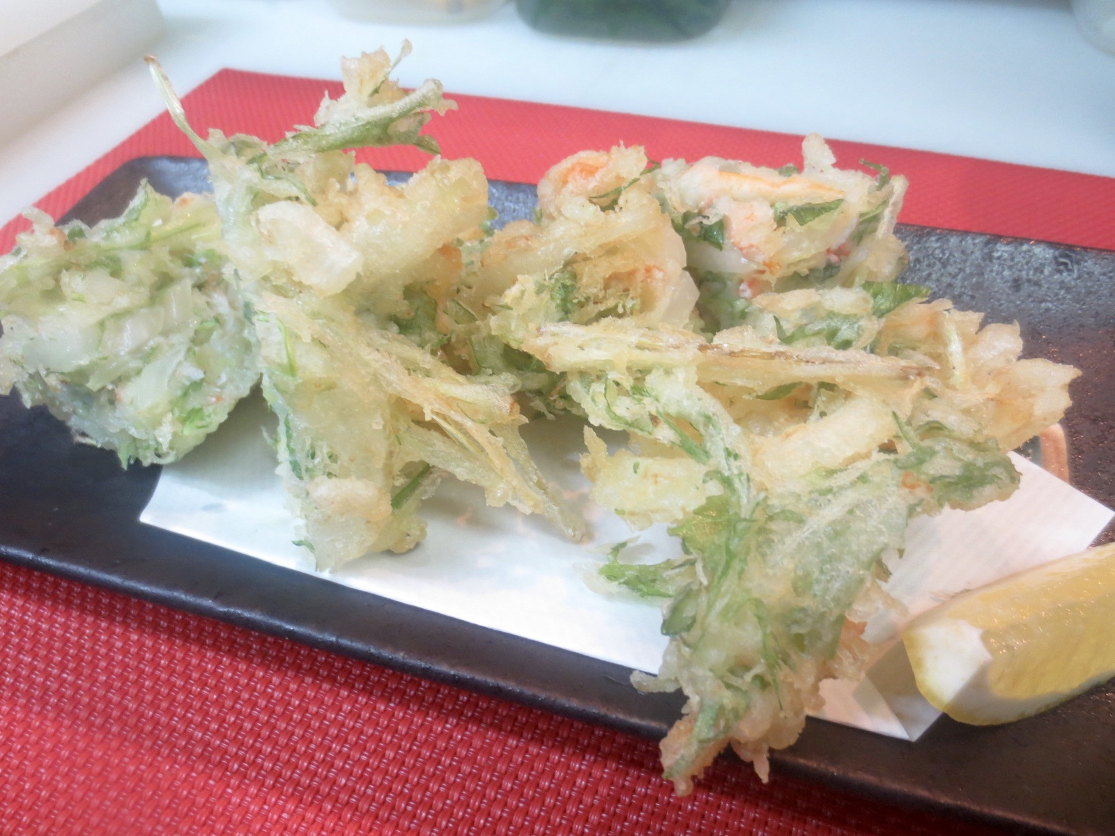 玉葱、水菜、かに身かき揚げ