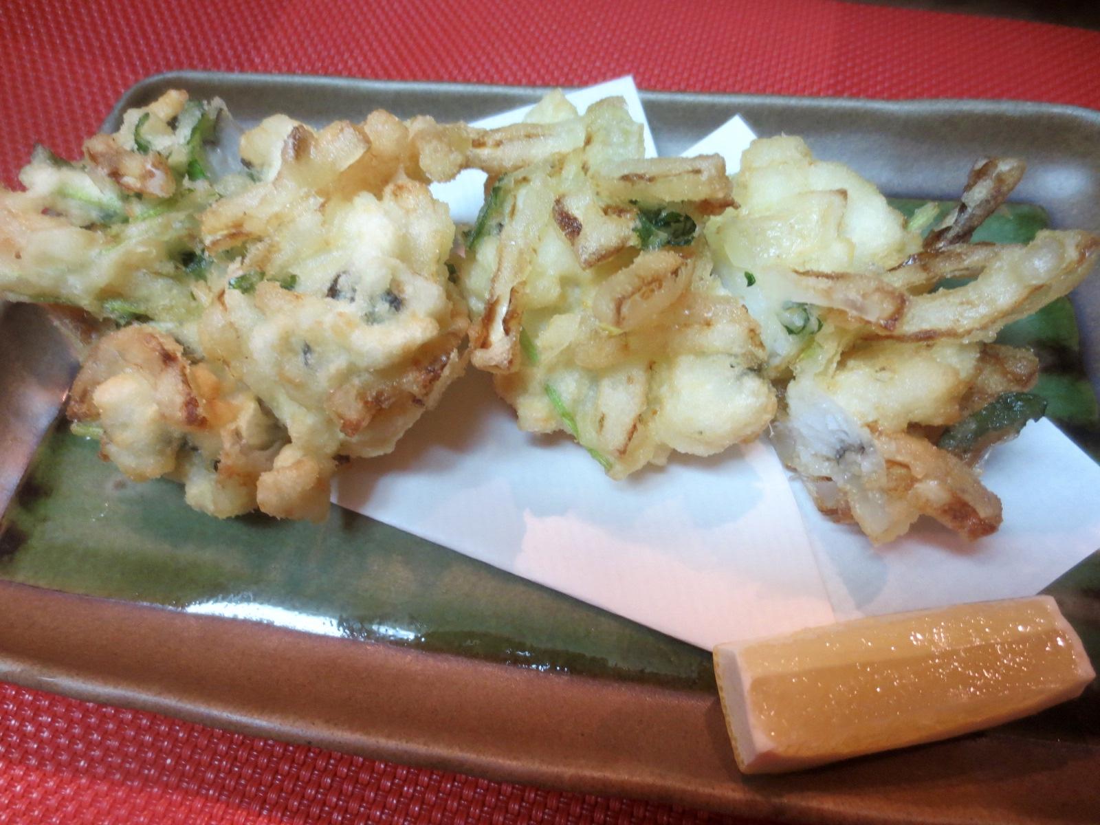 鱧と玉葱と三つ葉かき揚げ